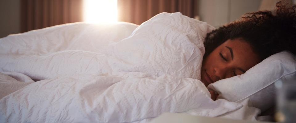 Qualità del sonno, studio conferma peggiornamento in soggetti con intolleranze ambientali