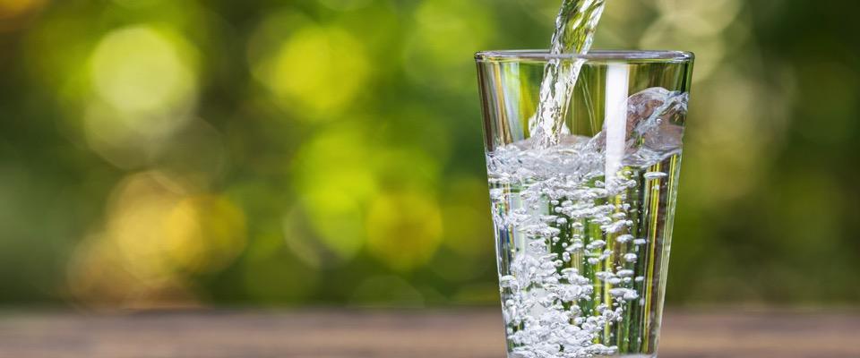 L'importanza di mantenersi idratati e i benefici per la salute